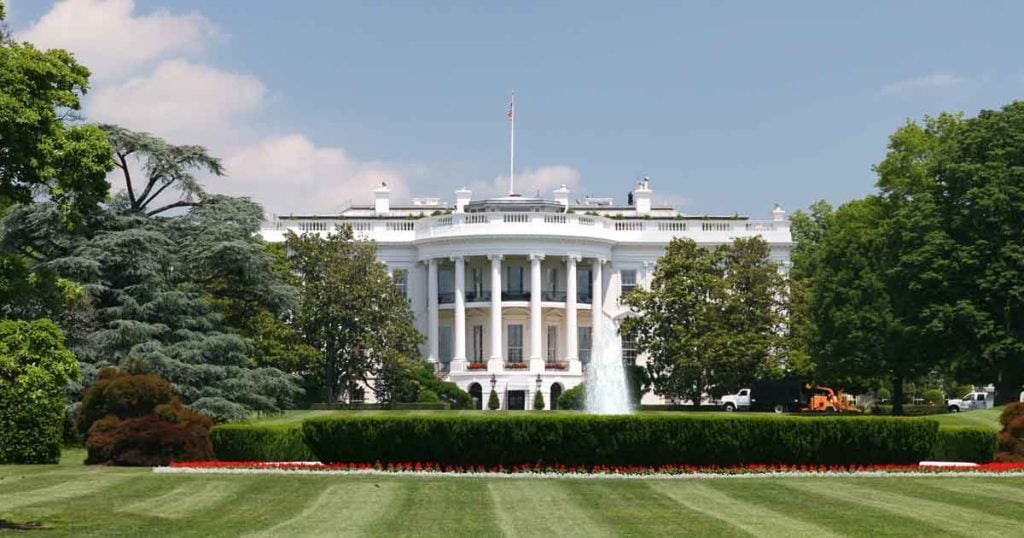 Photo of the white house in DC
